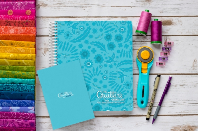 2018 Quilters Planner and mini-hi res (900x600)